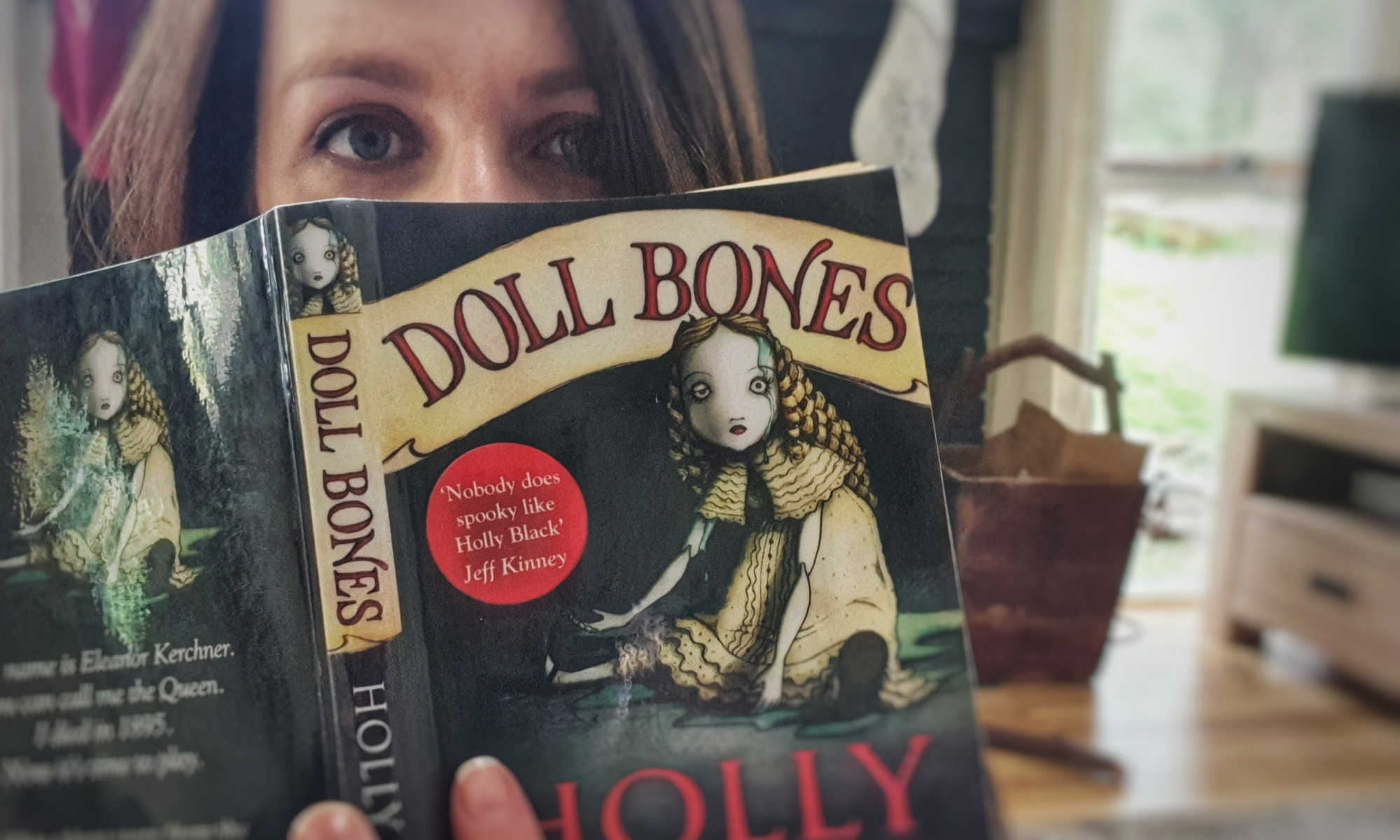 Doll Bones, a book review by Geni Kuckhahn